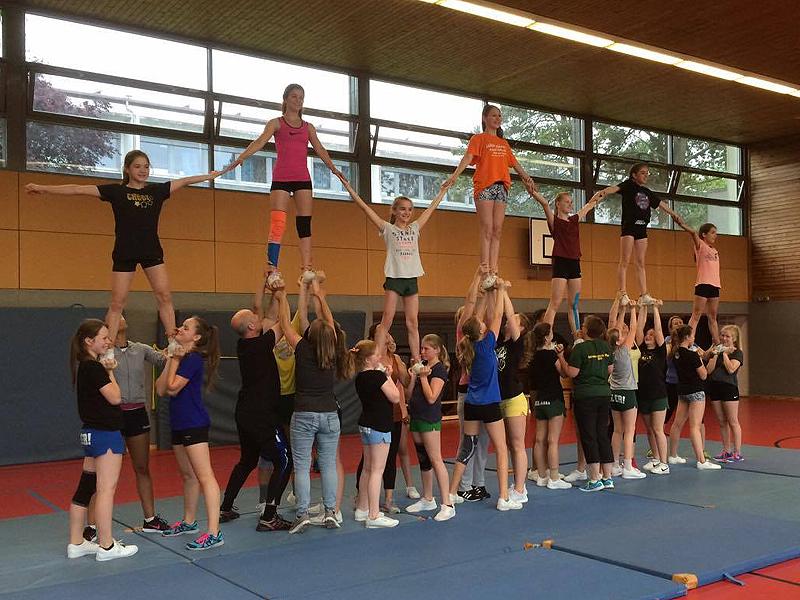WSC Cheerleader: Elterntraining bei den Skylights (Juni 2016)