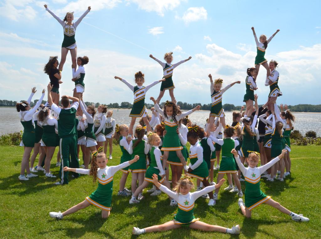Die Cheerleader des SC Rist Wedel 2013