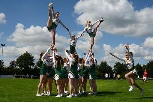Auftritt der Wedel Skylights Cheerleader beim Walter-Pein-Turnier 2012 in Appen